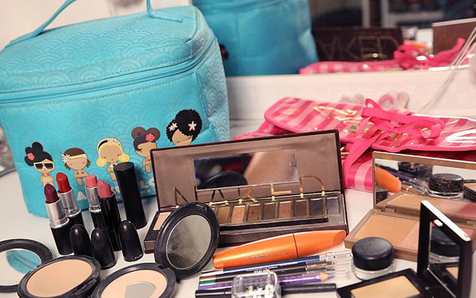 Como limpar sua nécessaire e os itens de maquiagem!